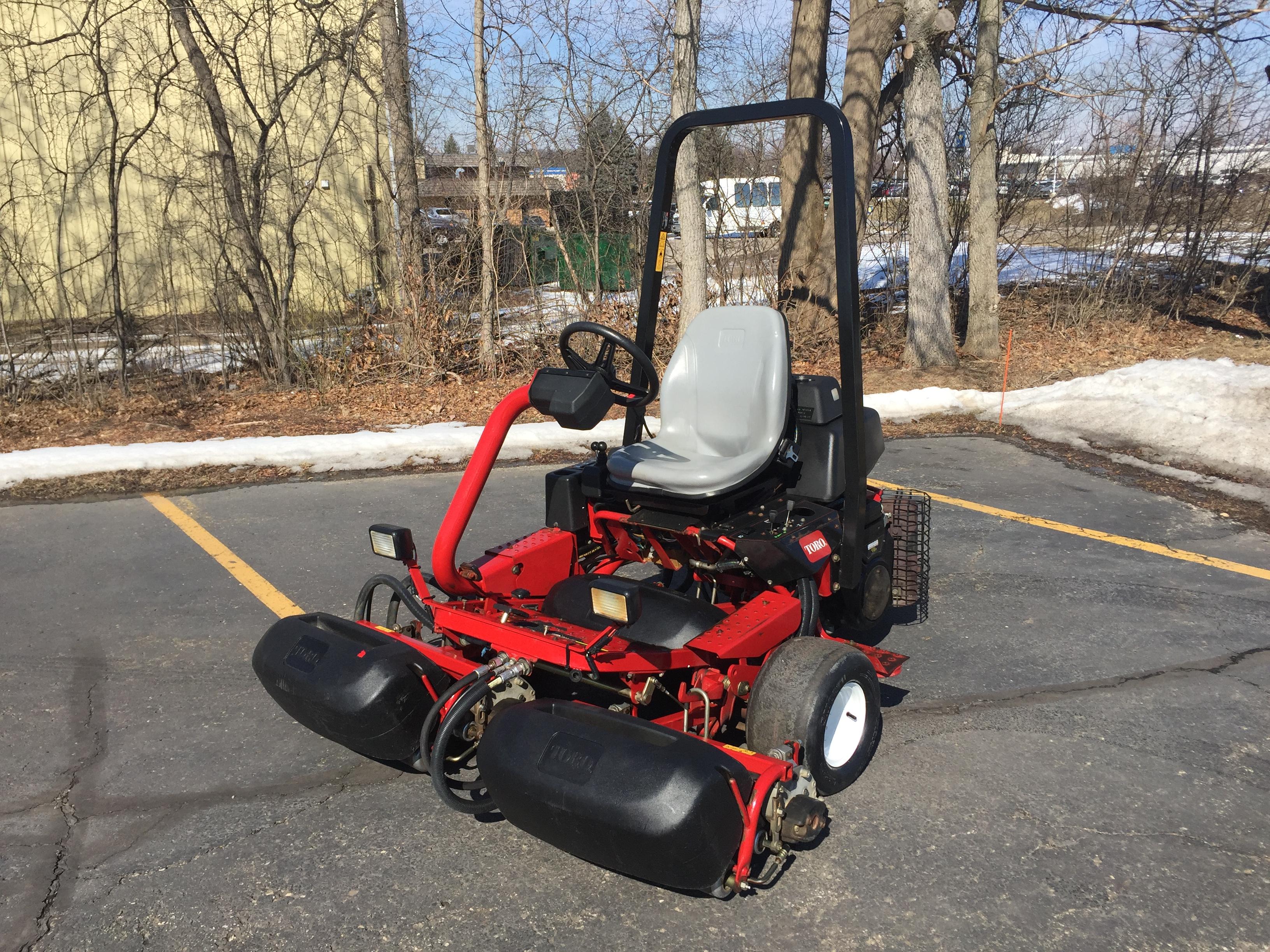 2014 Toro Greensmaster® 3150-Q Triplex Greens Mower