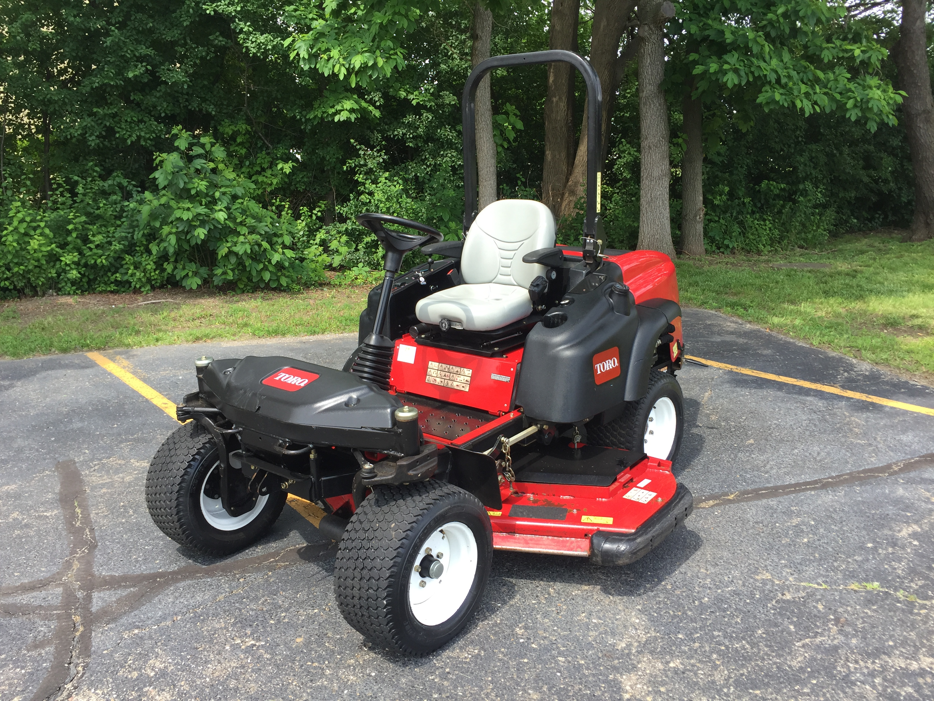 2013 Toro Groundsmaster® 360 Quad-Steer™ Rotary Mower